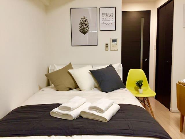 【The Shin-Sekai Room】OPEN SALE!Free Wifi! 2min 新世界 - Naniwa-ku, Ōsaka-shi - Departamento