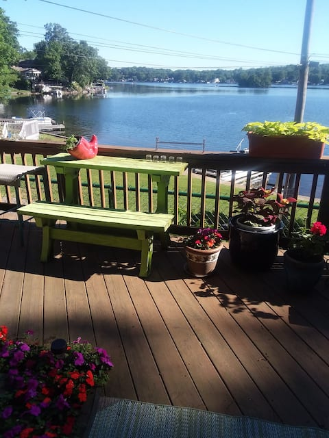 Beautiful water views-Unique Portage Lakes home