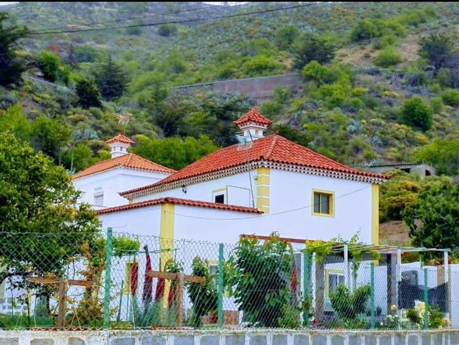 La casita de coco tejeda cottage in affitto a tejeda for Piani casa del sud del cottage