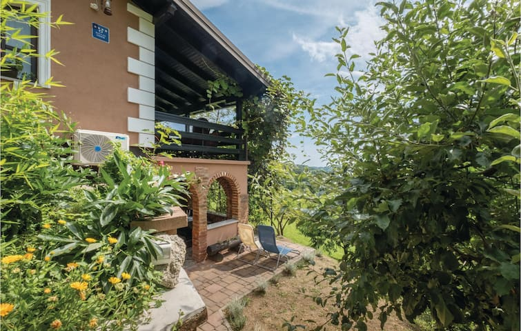 Beautiful home in Veliko Trgovisce with WiFi and 1 Bedrooms
