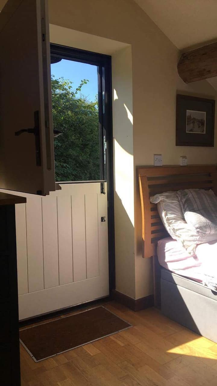 Self contained studio for 2, Utkinton, Cheshire