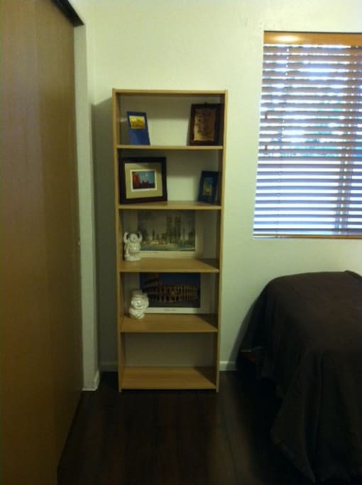 Lots of shelf space to put your personal belongings.