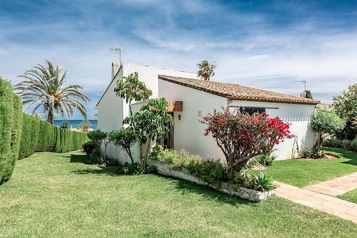 Magnificent sea view house in Bahia Dorada