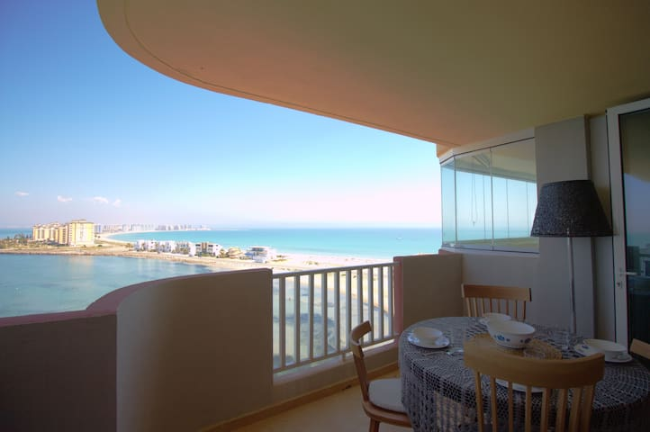 Luxury front line apartment with stunning views