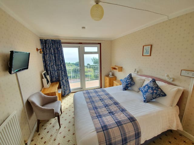 Double room-Ensuite-Balcony-with sea view