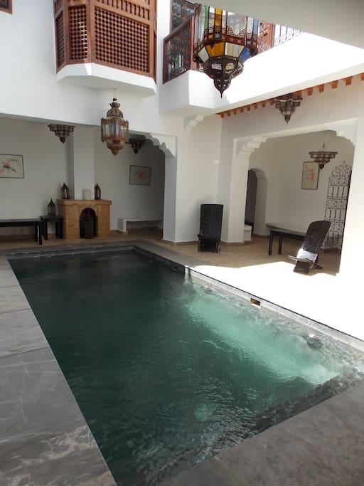 Chambre riad dar bounouar piscine hammam resto for Chambre 13 film maroc