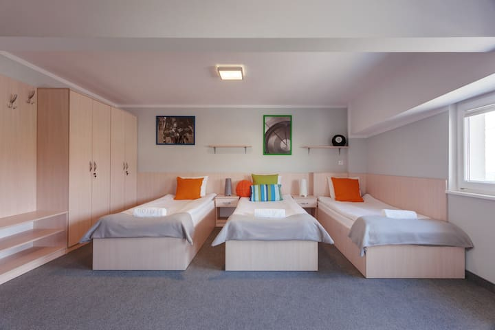Room for 3 people - 20 minutes from the beach
