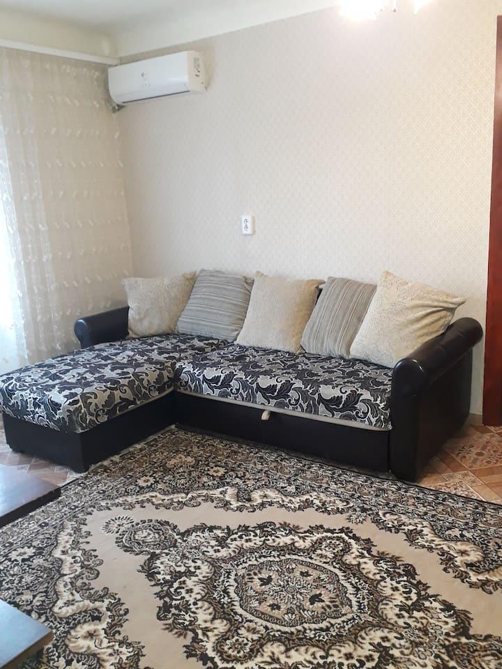 Двухкомнатная квартира на ул. Садовой в г. Шахты