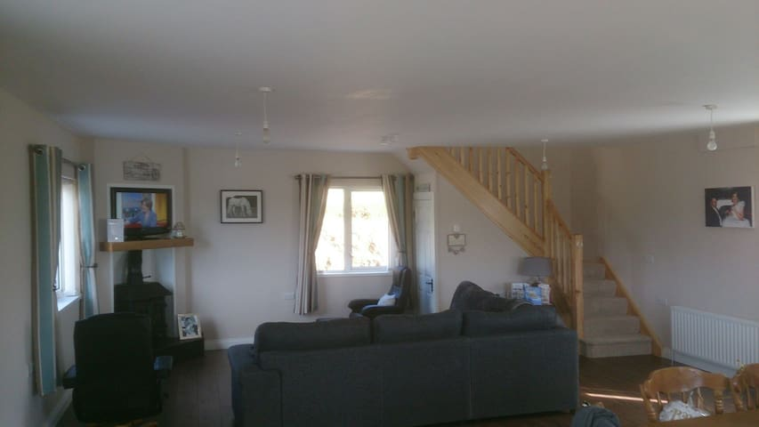 2bed apartment castlefin,lifford, Co. Donegal