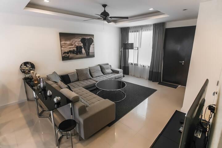 3  bedrooms premium townhouse at Laguna Park