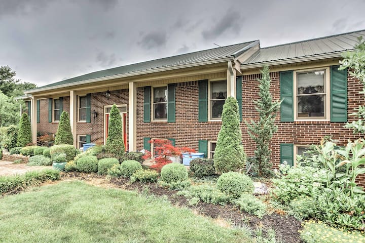 NEW! 2BR Danville Apt Surrounded By Horse Farm!