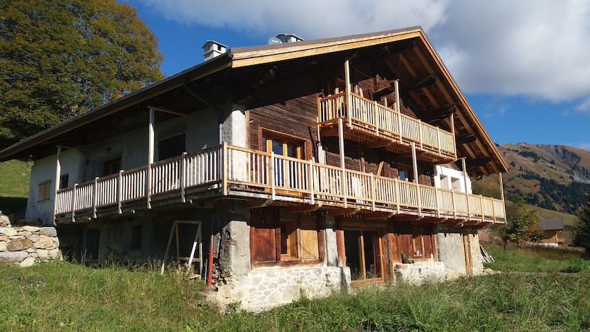 Ds chalet, 85 m² plain pied rénovés - Hauteluce - Appartement