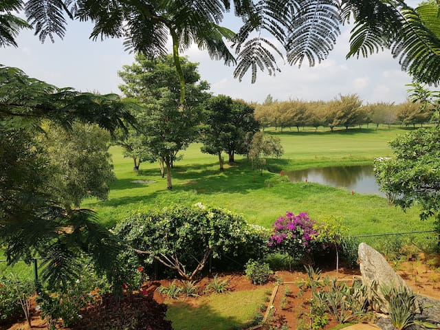 Vacation home on the golf course in Bangalore