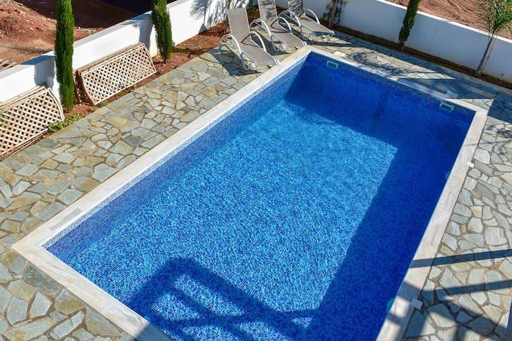 Grand Playa Villa