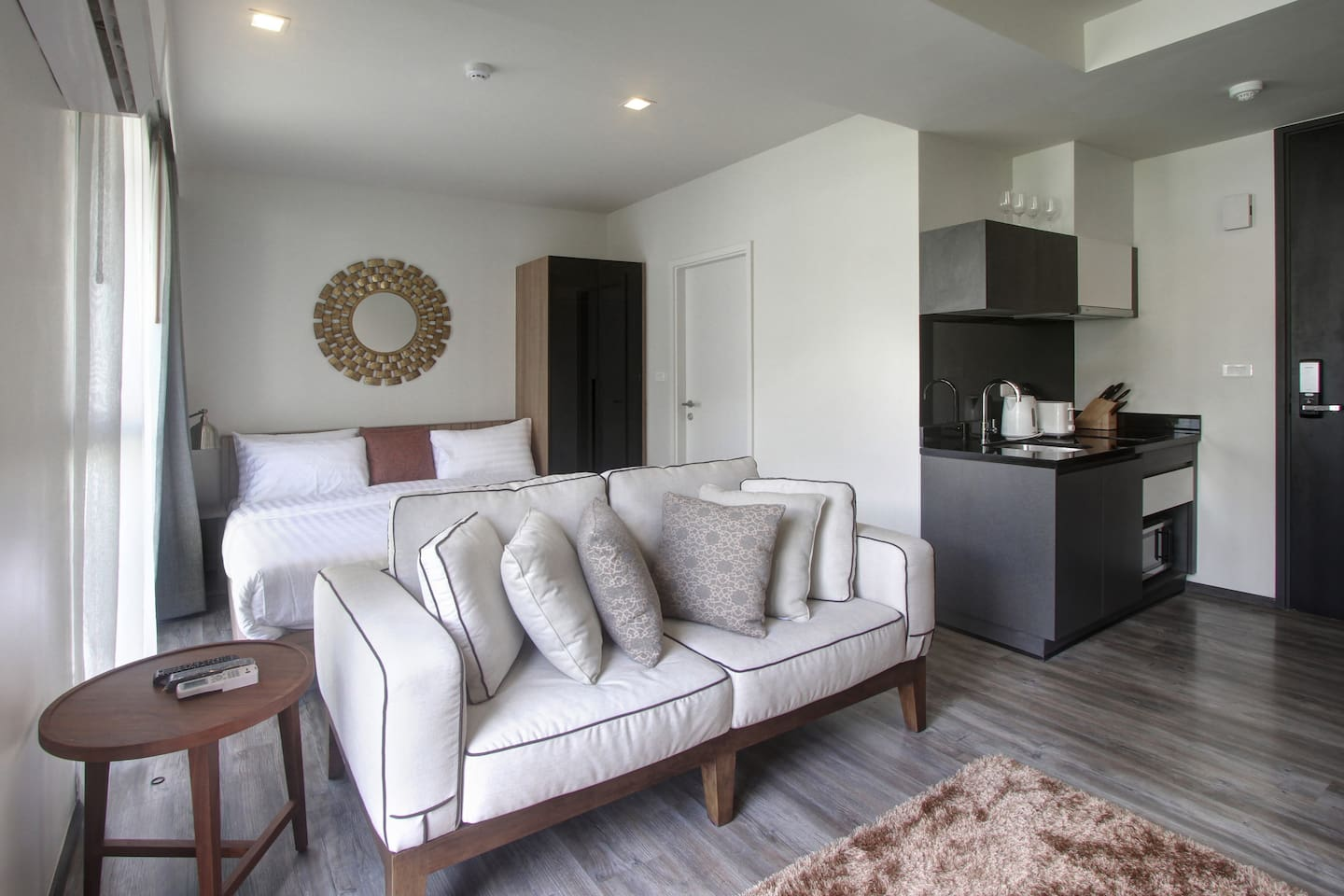 Comfortable studio unit with kitchenette and living area