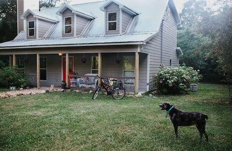 Chief Ladiga Creekside Cottage