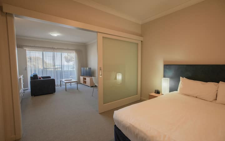 Deluxe Suite at Ozone Hotel located on the Kingscote waterfront