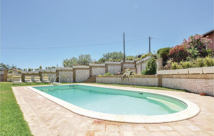 Beautiful home in Piedimonte Etneo with Outdoor swimming pool, 1 Bedrooms and Outdoor swimming pool