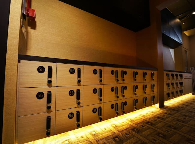 Shoe lockers with secure key-card access