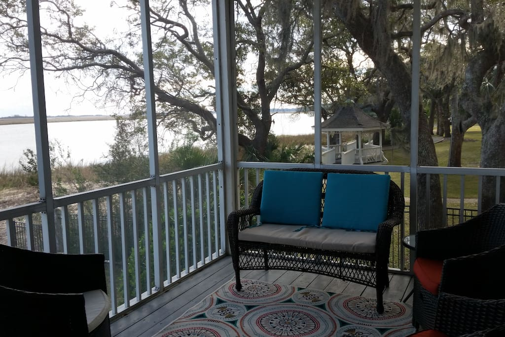 Screened in porch & Live Oak grove