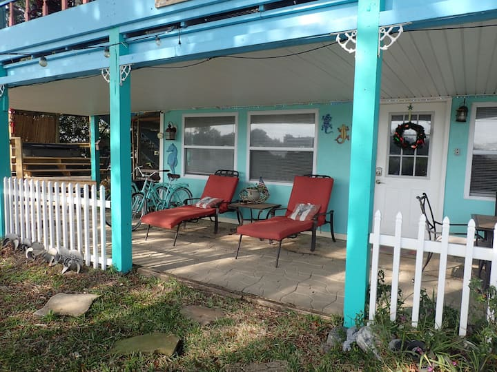 Ozello Waterfront bottom floor guest cottage