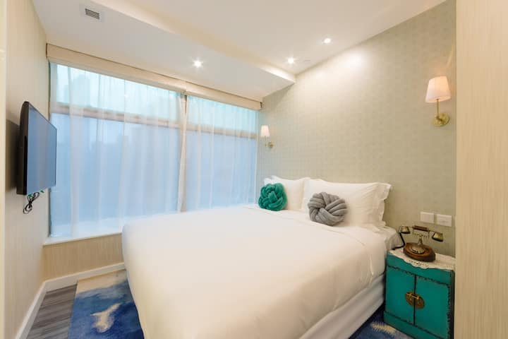 TNL Stylish King Bed near MongKok , 1 Min to MTR