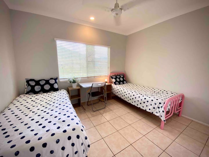 2 Single Beds bedroom in Cannonvale