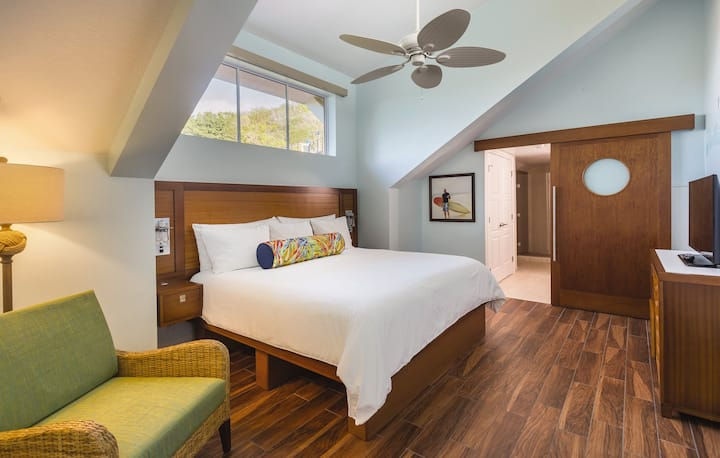 Jimmy Buffett-Inspired Beachside Paradise located in St. Thomas in a 1 BEDROOM DELUXE SUITE!