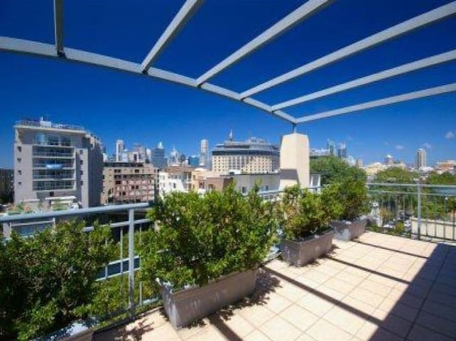 Modern & Bright Queen Room in Amazing Penthouse - Pyrmont - Appartement