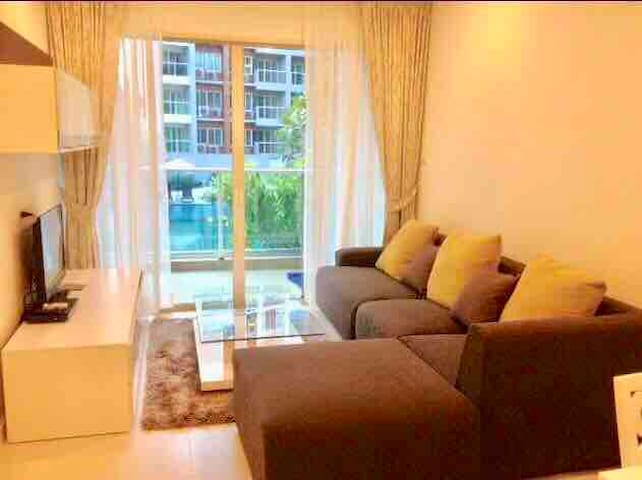The Seacraze Huahin 2 bed 2 bath Conner room