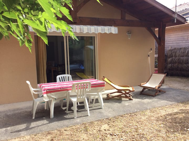 MESSANGES, PRETTY 2-BR HOUSE, 1.5KM FROM THE BEACH