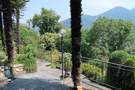 Casa al ronco, holiday flat with big terrace