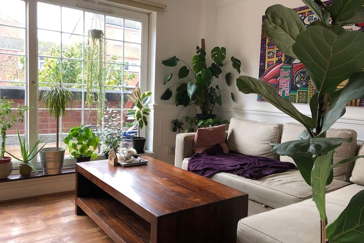 Spacious&Bright Room in the Heart of Clapton