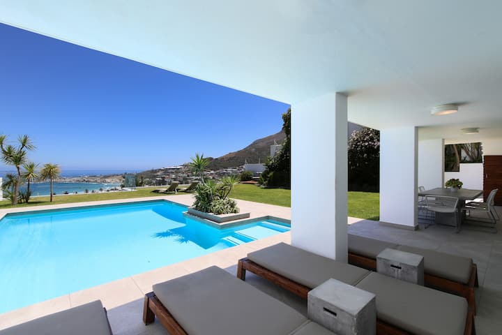 Stunning Ocean Views, Heated Pool & Large Garden