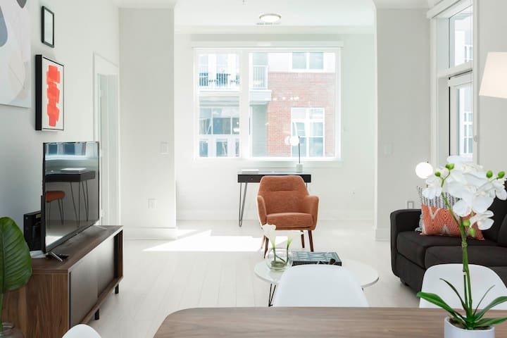 Kasa | Atlanta | Modern 2BD/2BA Buckhead Apartment