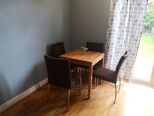Leaving room with dining area
