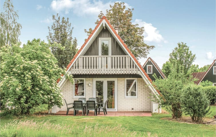 Holiday cottage with 3 bedrooms on 85m² in Gramsbergen