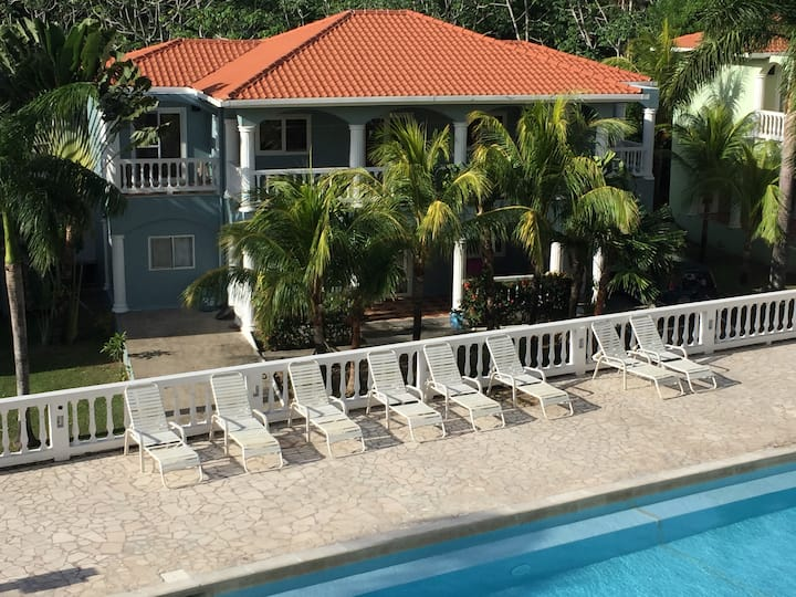 Sunset Villas 8A (Charming Unit Across from Pool)