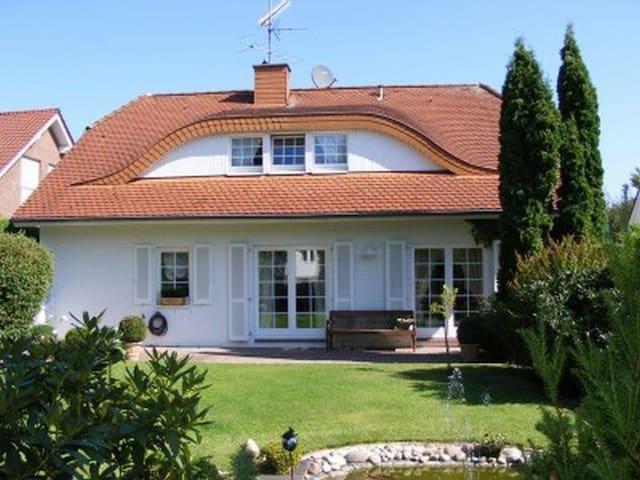 Stylish Country House - Düsseldorf - Rumah
