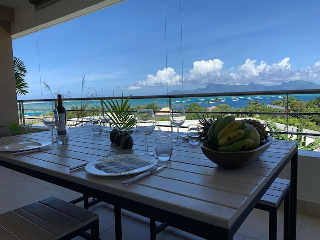 Standing apartment, lagoon close, view on Moorea