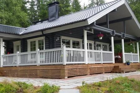 Kesähuvila Saimaalla 57 m2 + 20 m2 - Savonlinna