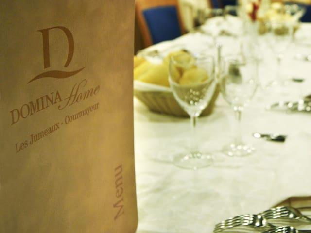 top 20 des locations de vacances à courmayeur, locations ... - Luxe Reale Grande Divano Ad Angolo Set