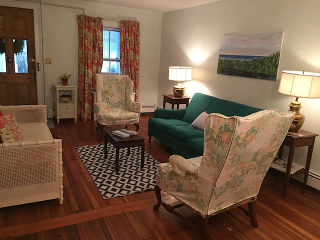 Stonington Village Apartment