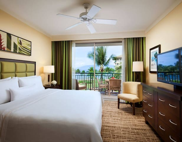 Westin Heavenly Bed - King Size and flat panel TV