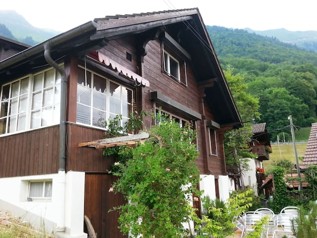 Chalet am See  in Oberried bei Interlaken