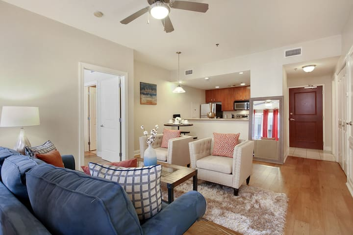 ★★!!Great New Orleans 2bd/2bath Downtwn Condo!!★★