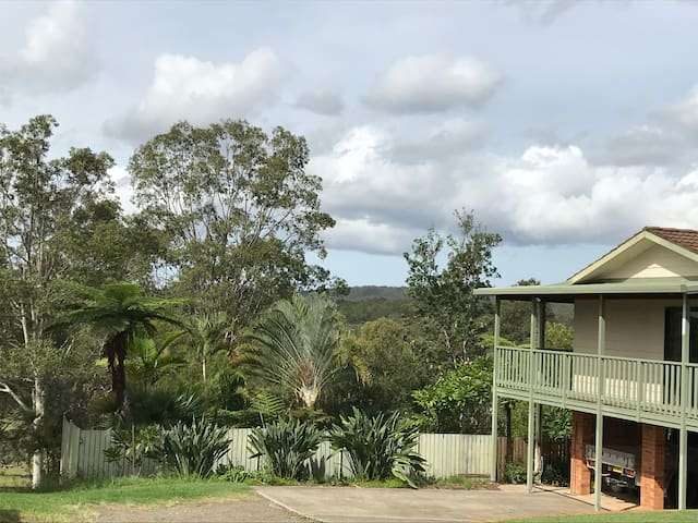 View House, fully SC,country views & open spaces