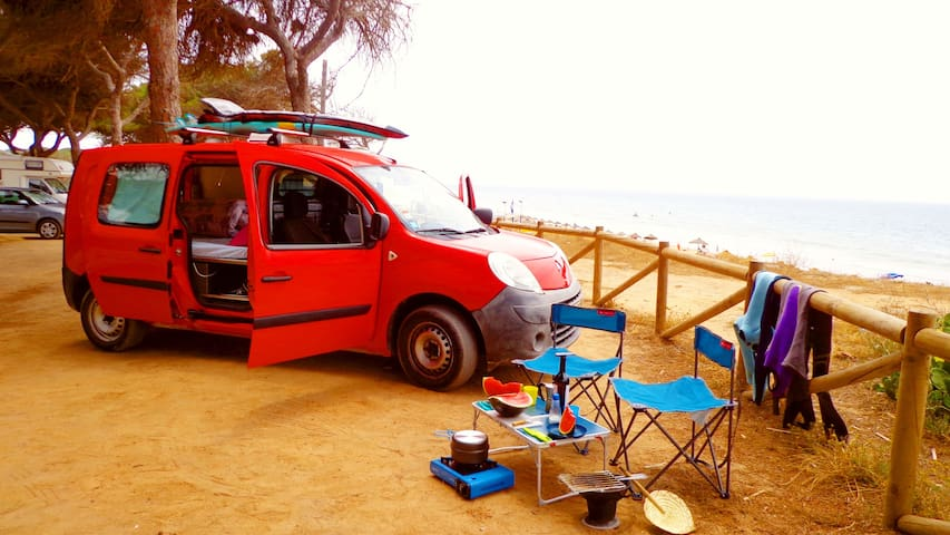 Nomad OceanCamper: Surfer´s van with Shower & Bed!
