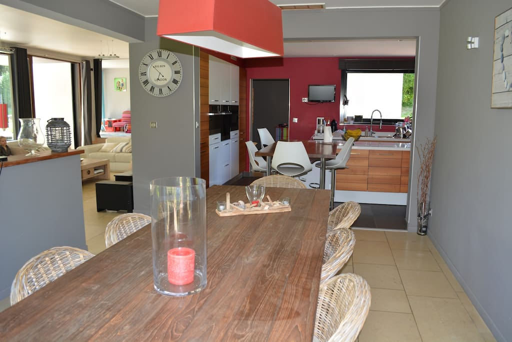 Cuisine/salle à manger/salon.