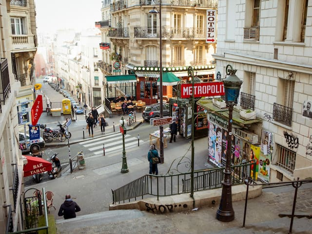 Stay in Montmartre